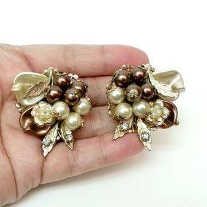 VILMA SANTOS cluster faux pearl clip on earrings
